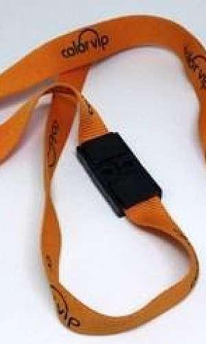 Cordão para crachá personalizado