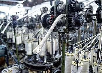 Cordão de algodão encerado preto